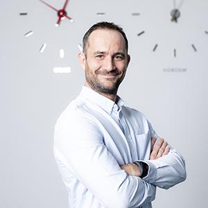Christian Fiausch new - Pick-it-Easy Robot 机器人拣选 技术助力未来食品零售仓储